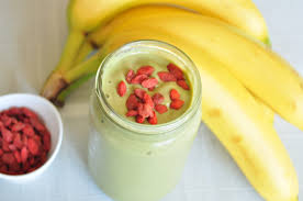 green smoothie goji berries on a smoothie